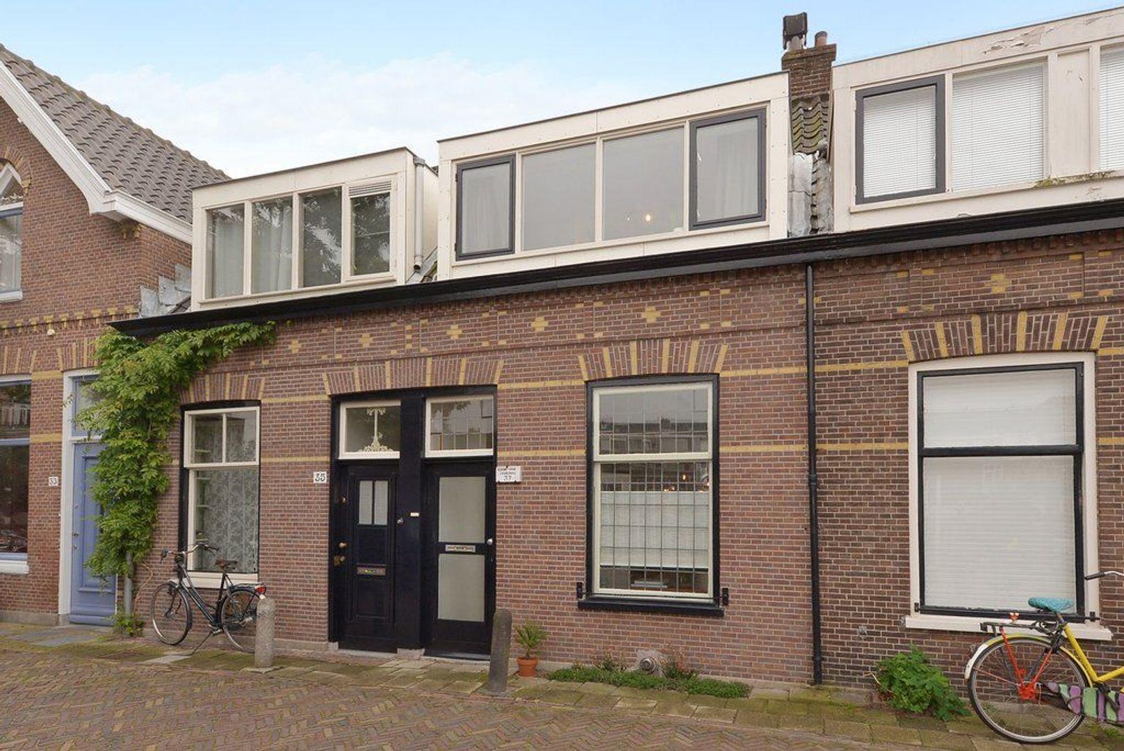 Laan van Overvest 37, Delft foto-0