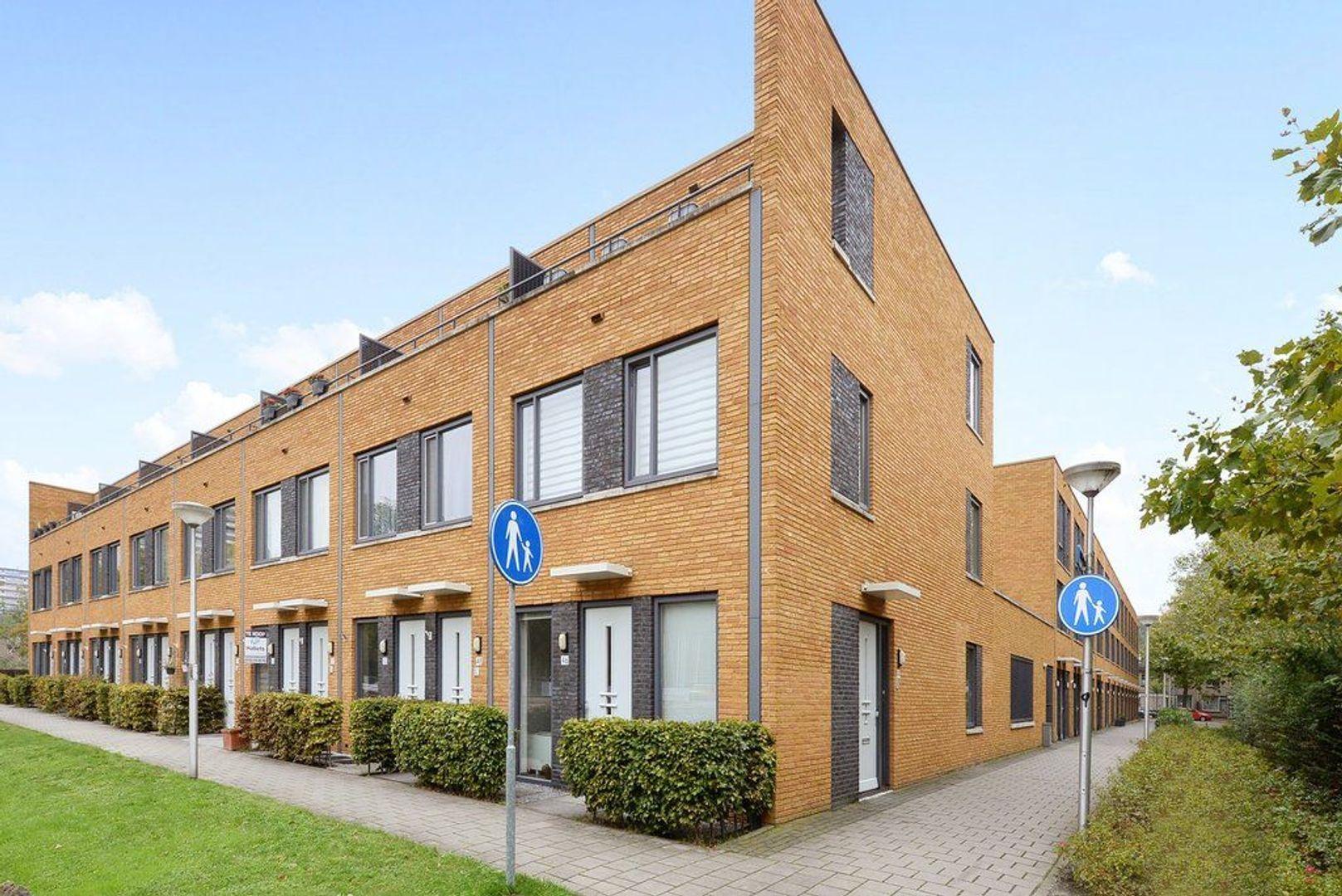 Glenn Millerstraat 46, Delft foto-0