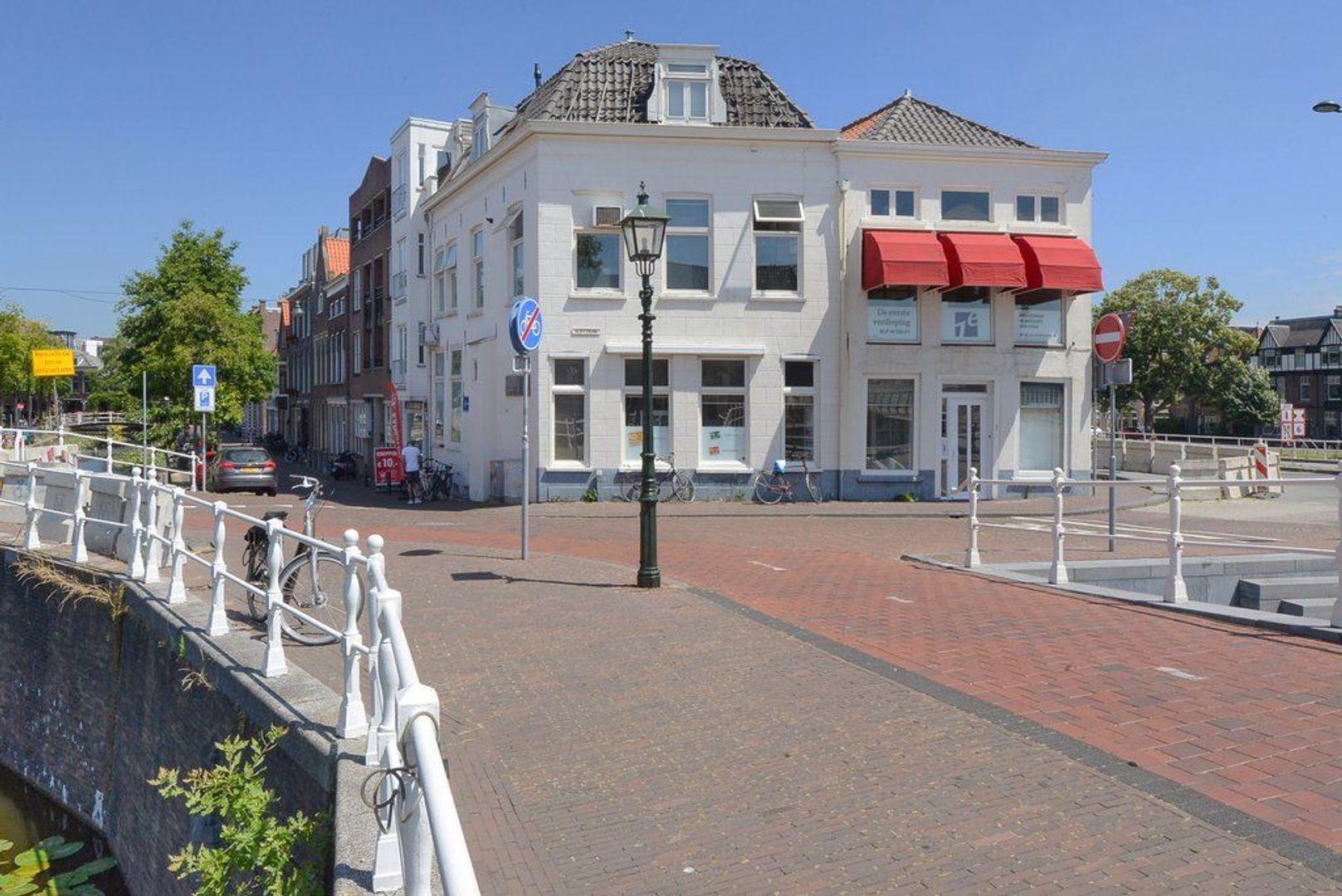 Achterom 1 3 en 5, Delft foto-0