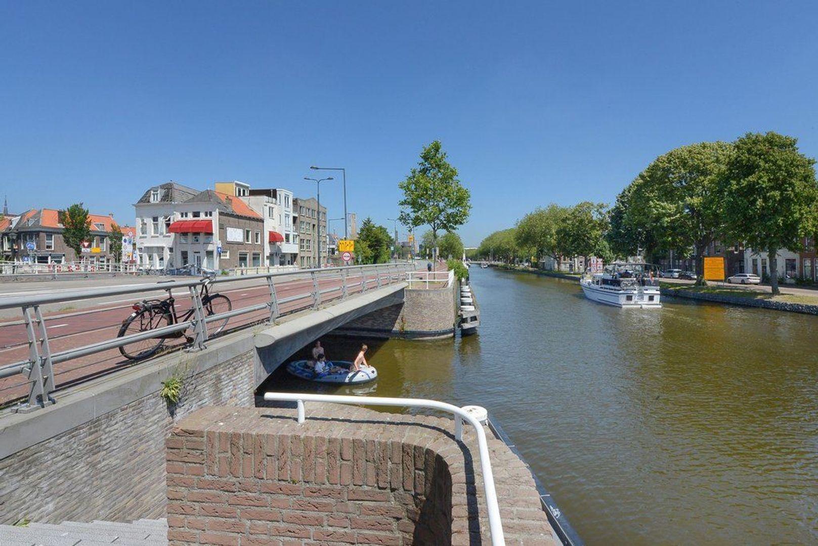 Achterom 1 3 en 5, Delft foto-12