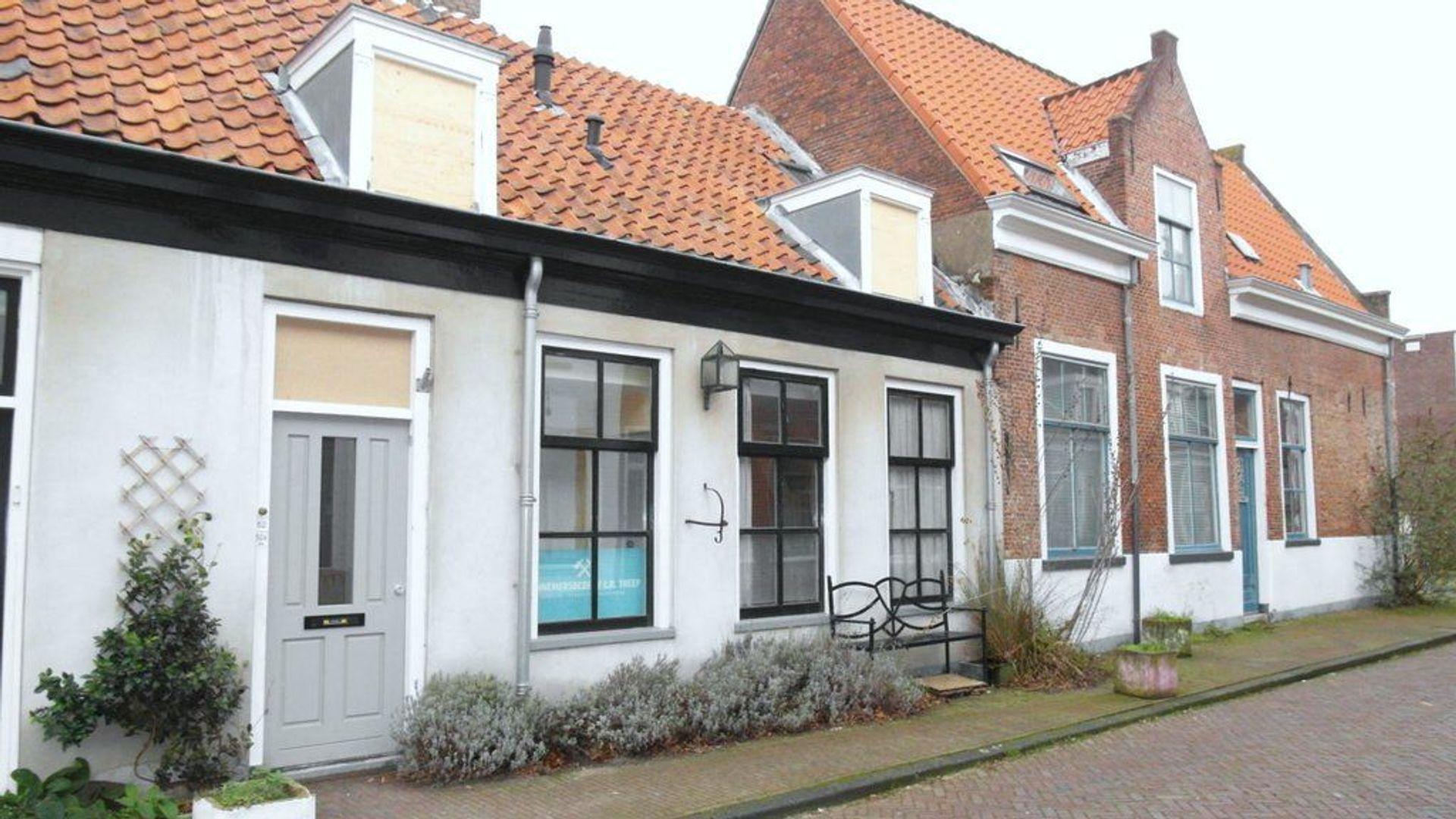 Doelenstraat 52 54, Delft foto-1