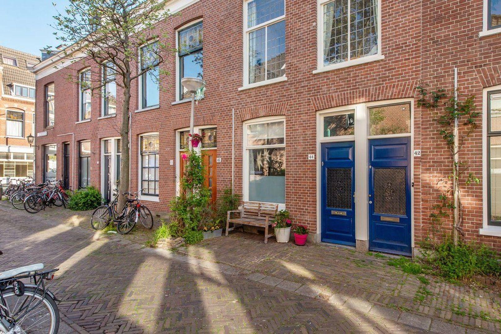 Warmoezierstraat 44, Delft foto-0