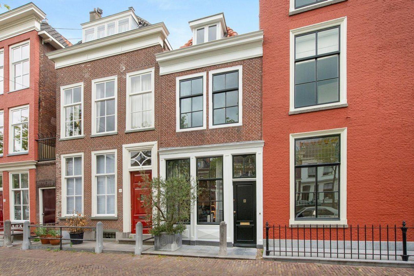 Oude Delft 196, Delft foto-0