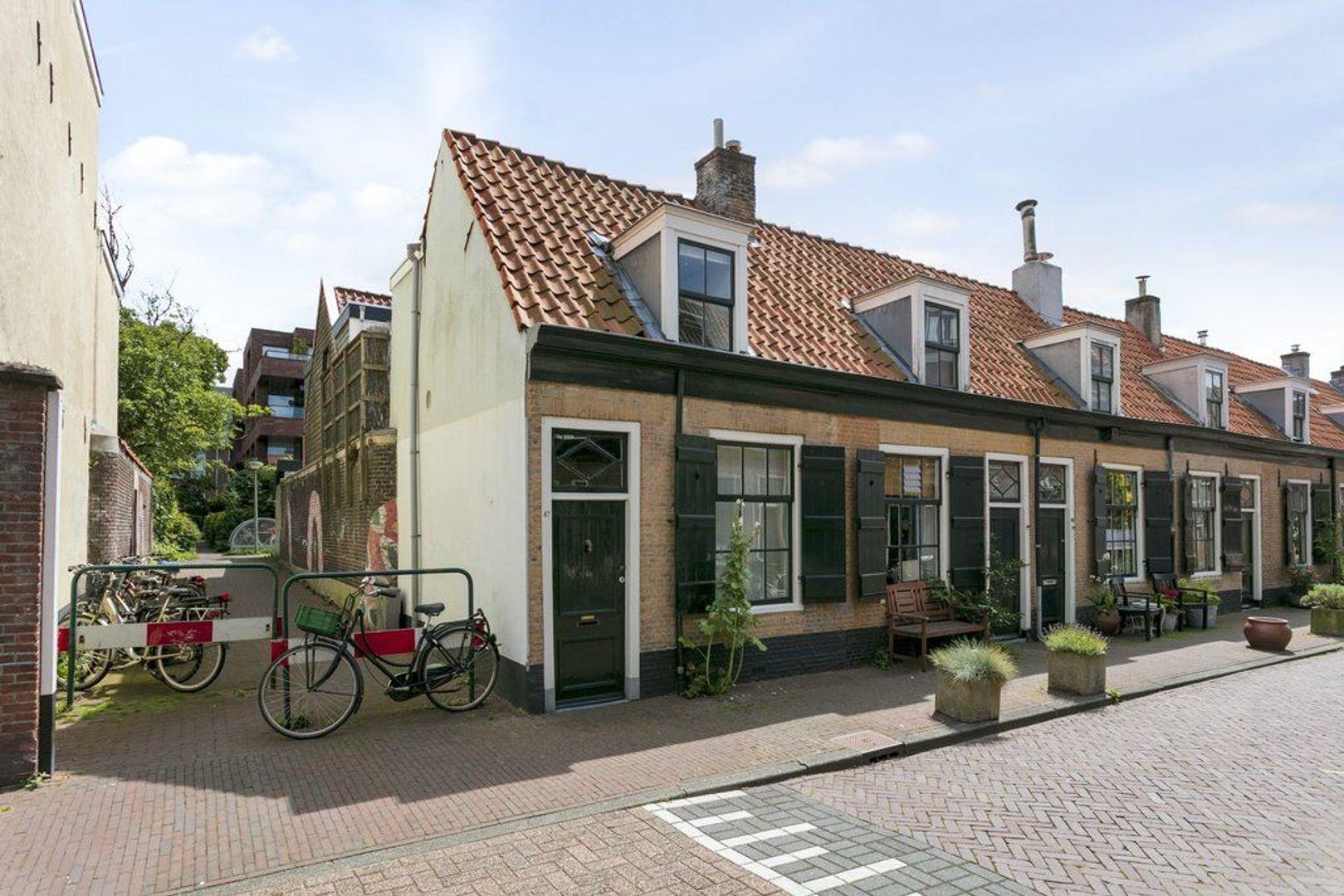 Doelenstraat 47, Delft foto-0