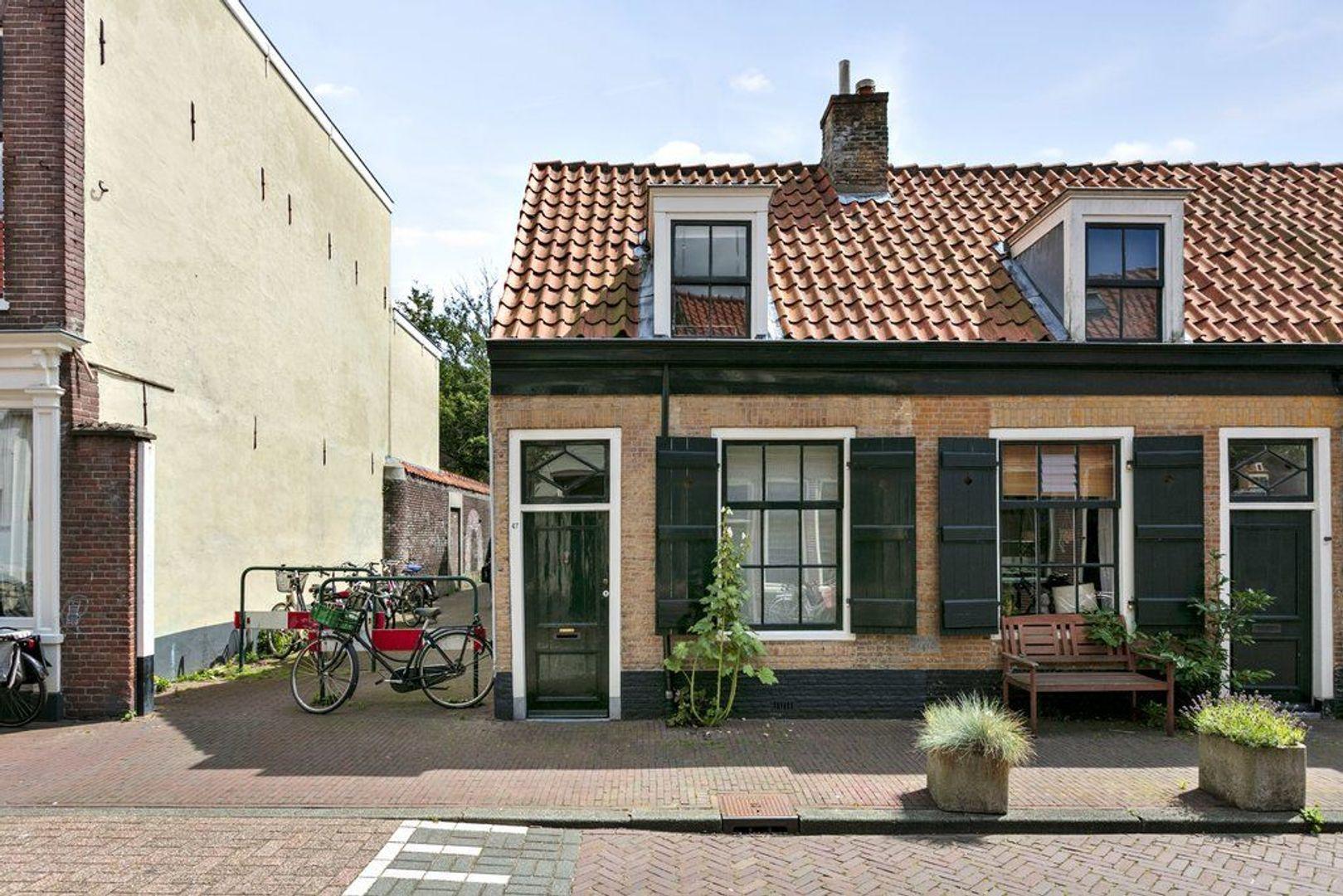 Doelenstraat 47, Delft foto-1