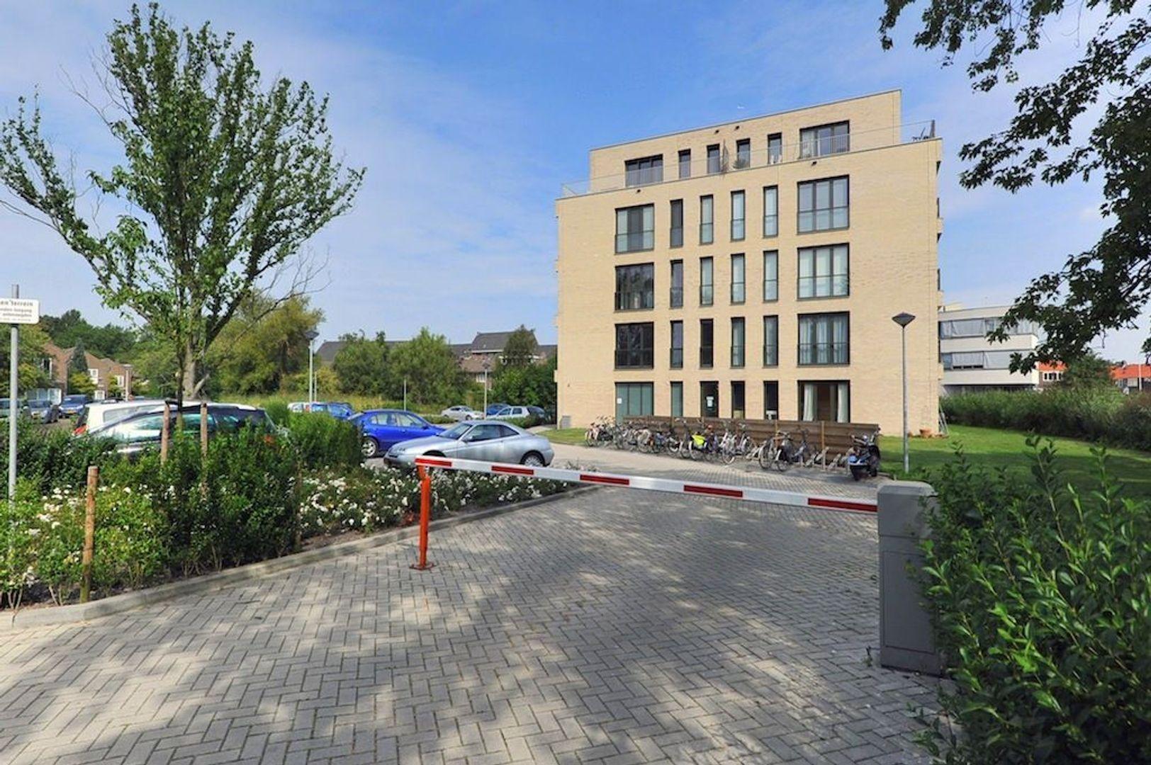 Charlotte de Bourbonstraat 17, Delft foto-1