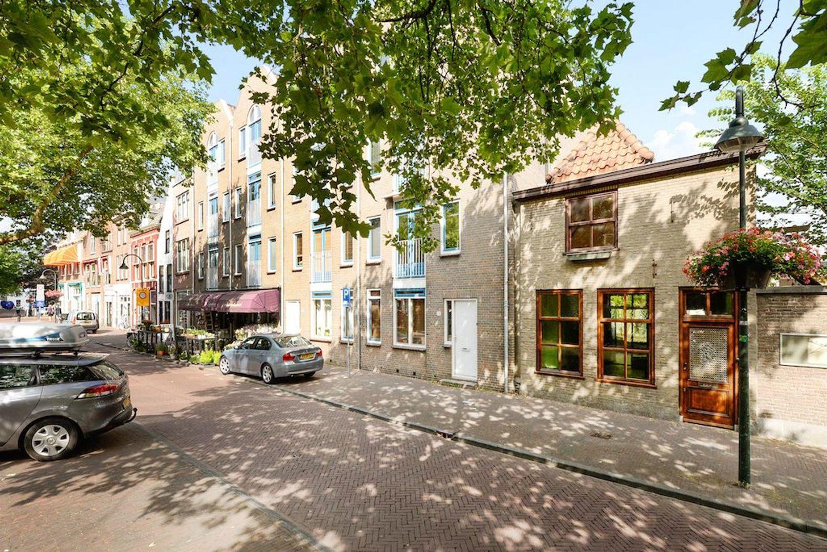 Nieuwe Langendijk 30, Delft foto-1