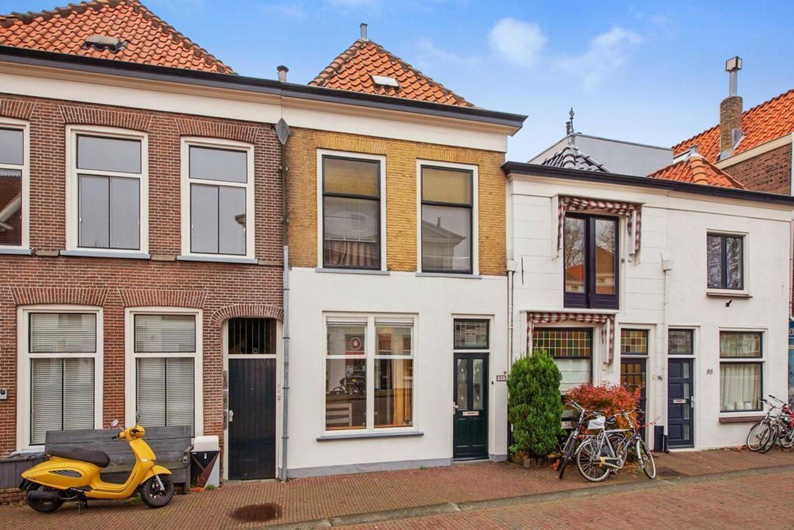 Nieuwe Langendijk 94, Delft foto-0