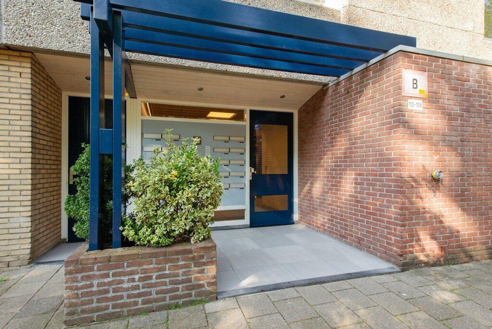 Aart van der Leeuwlaan 156, Delft foto-1