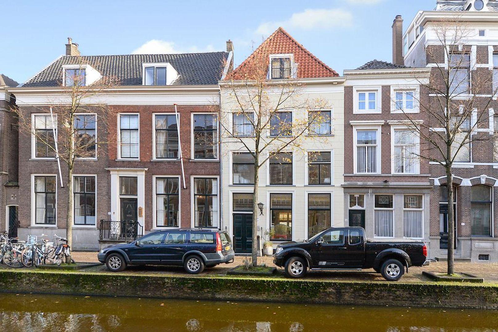 Oude Delft 16, Delft foto-0