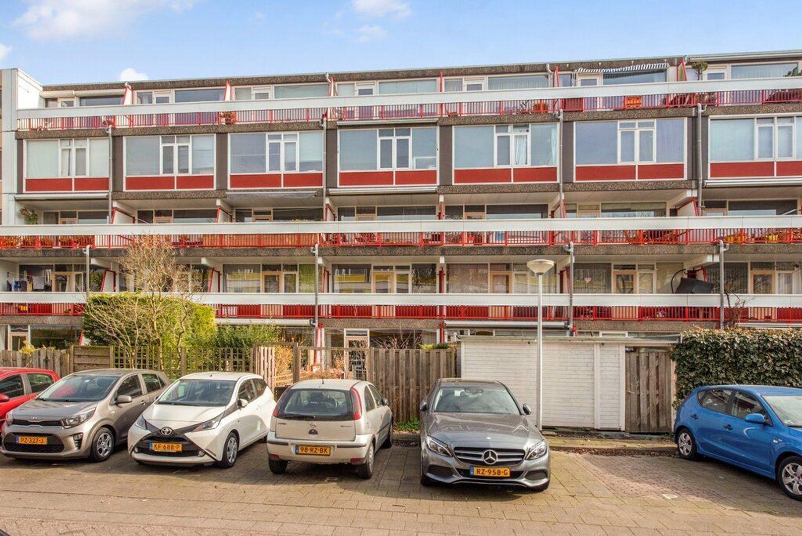 Zjoekowlaan 27, Delft foto-9