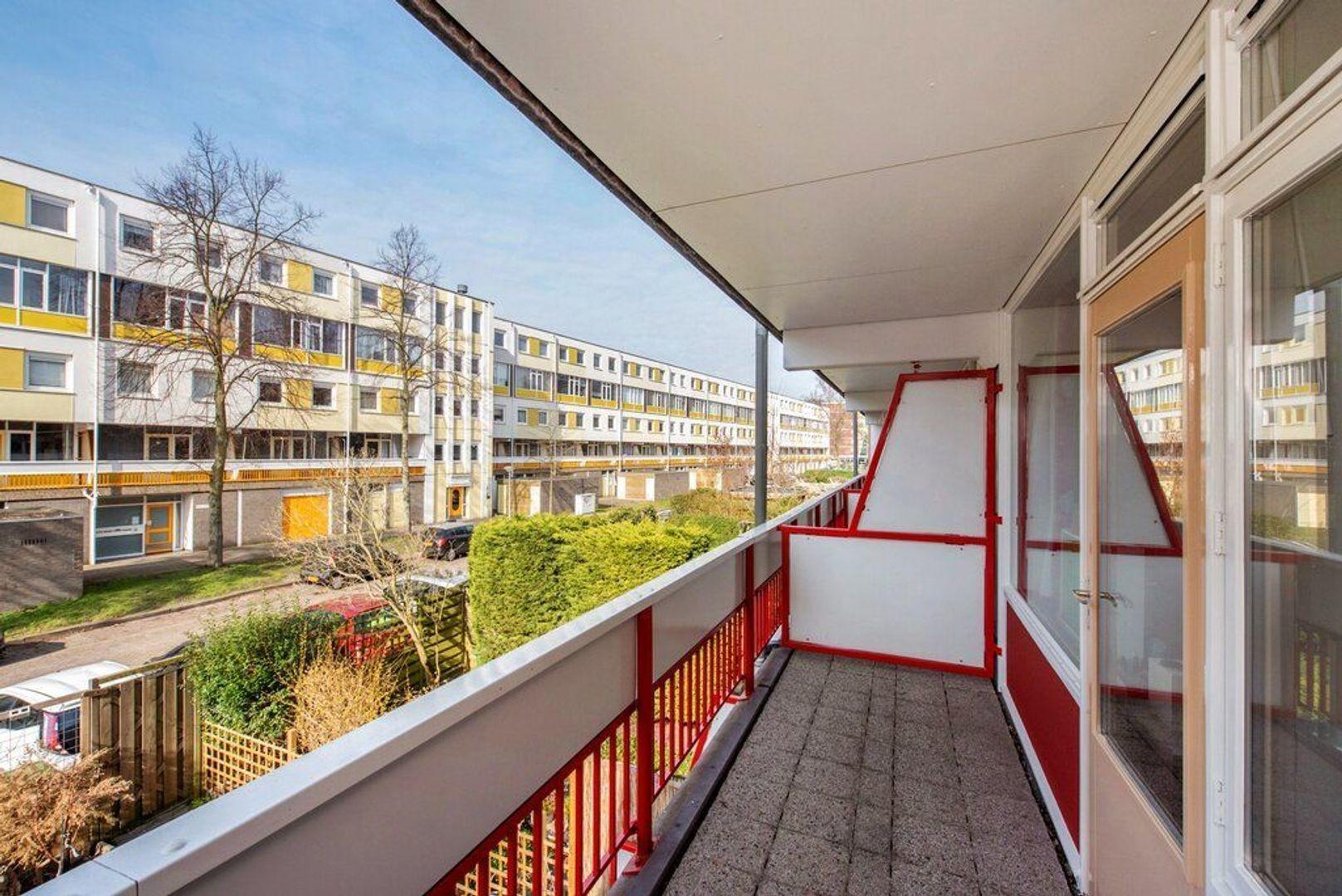 Zjoekowlaan 27, Delft foto-35