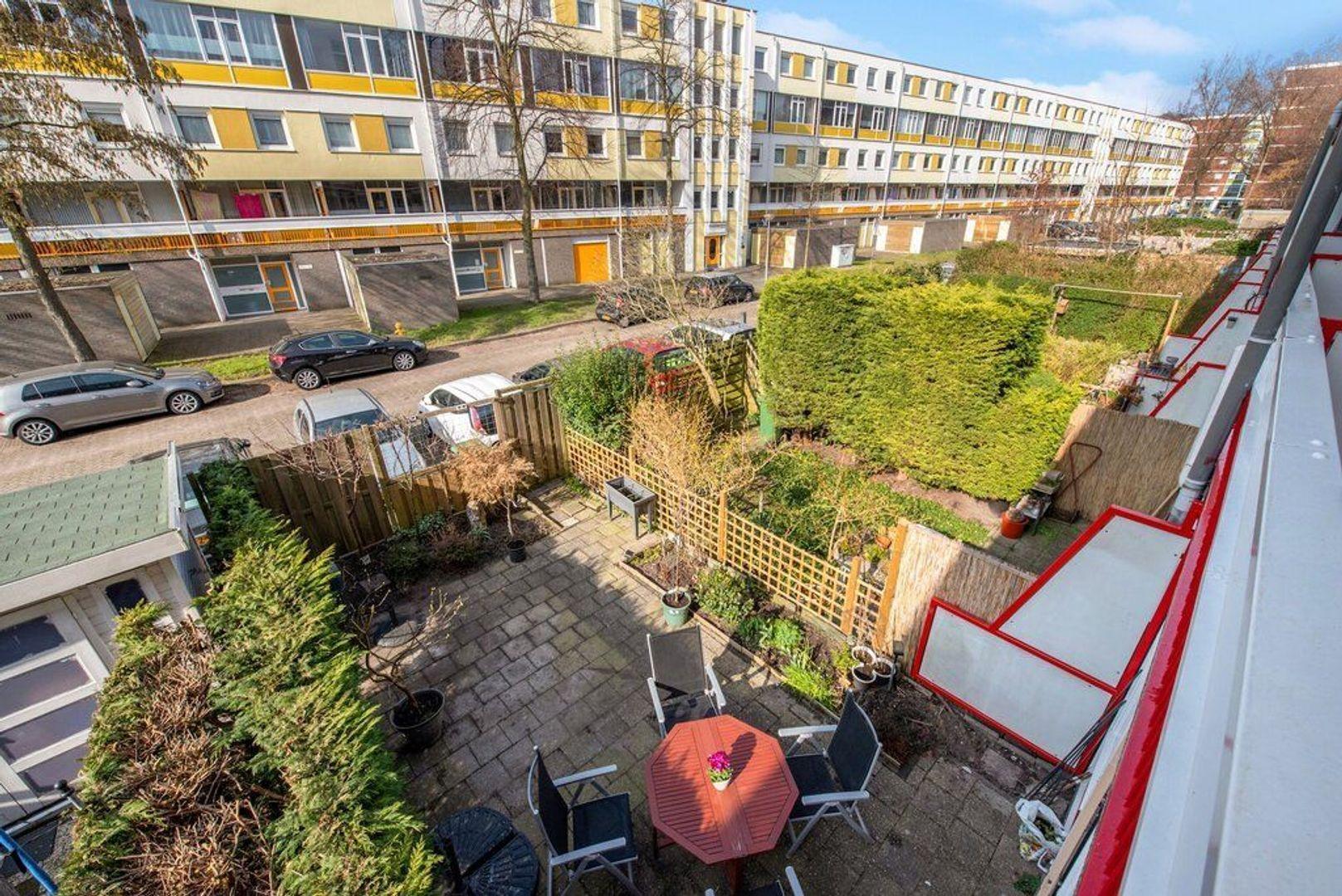 Zjoekowlaan 27, Delft foto-30