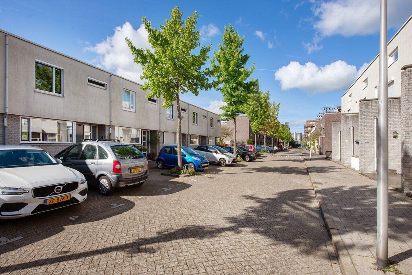 Laan van Van der Gaag 9, Delft foto-2