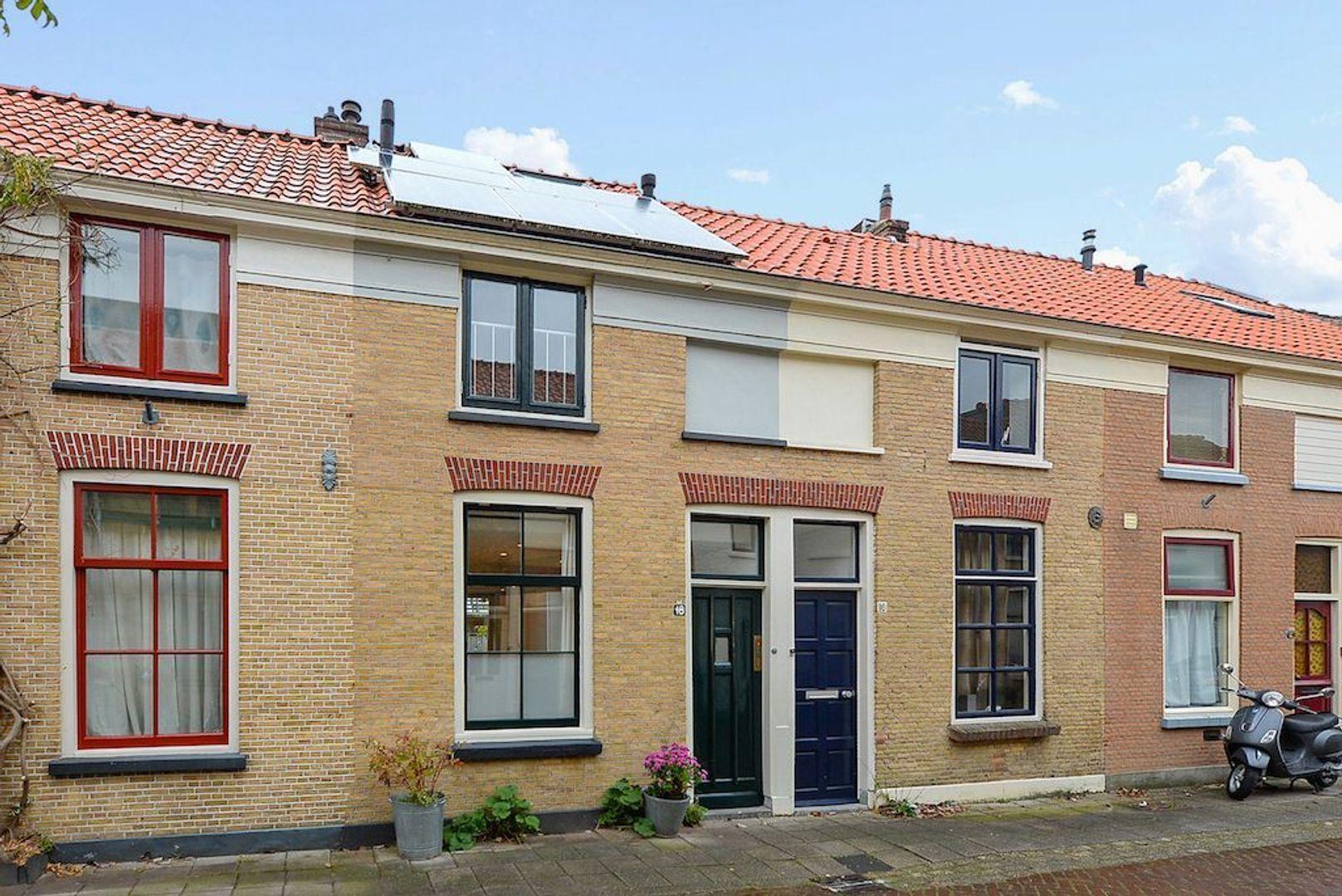 Hovenierstraat 18, Delft foto-0