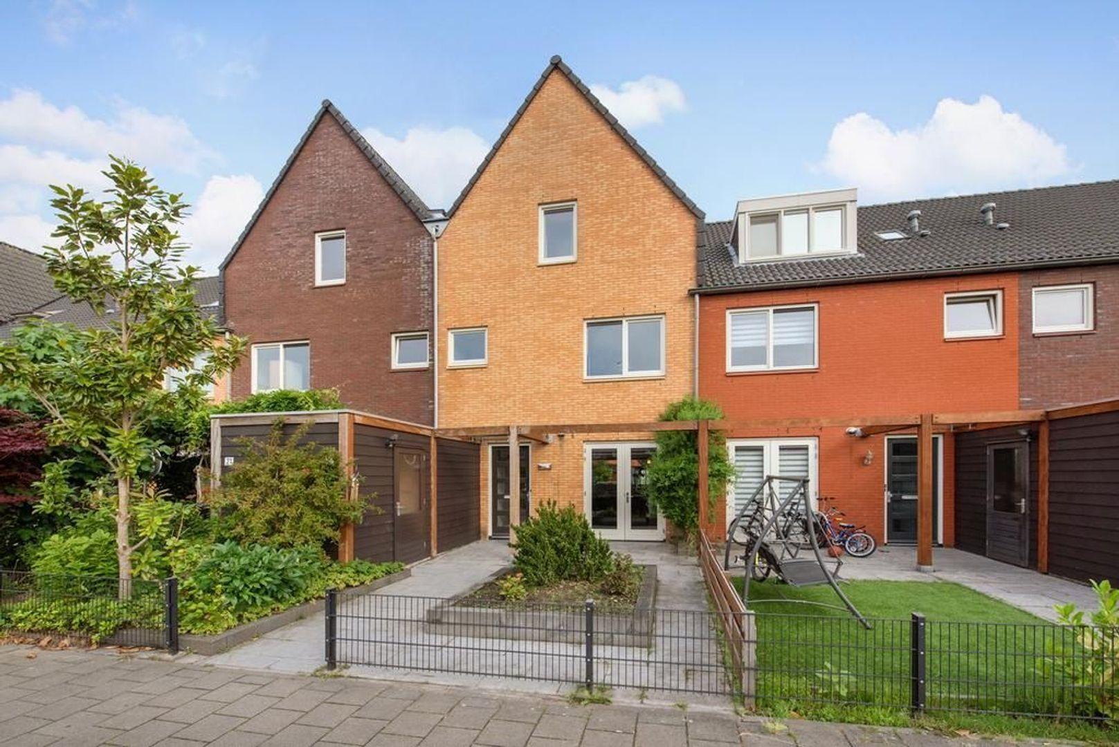 Van Veendijk 19, Den Haag foto-0