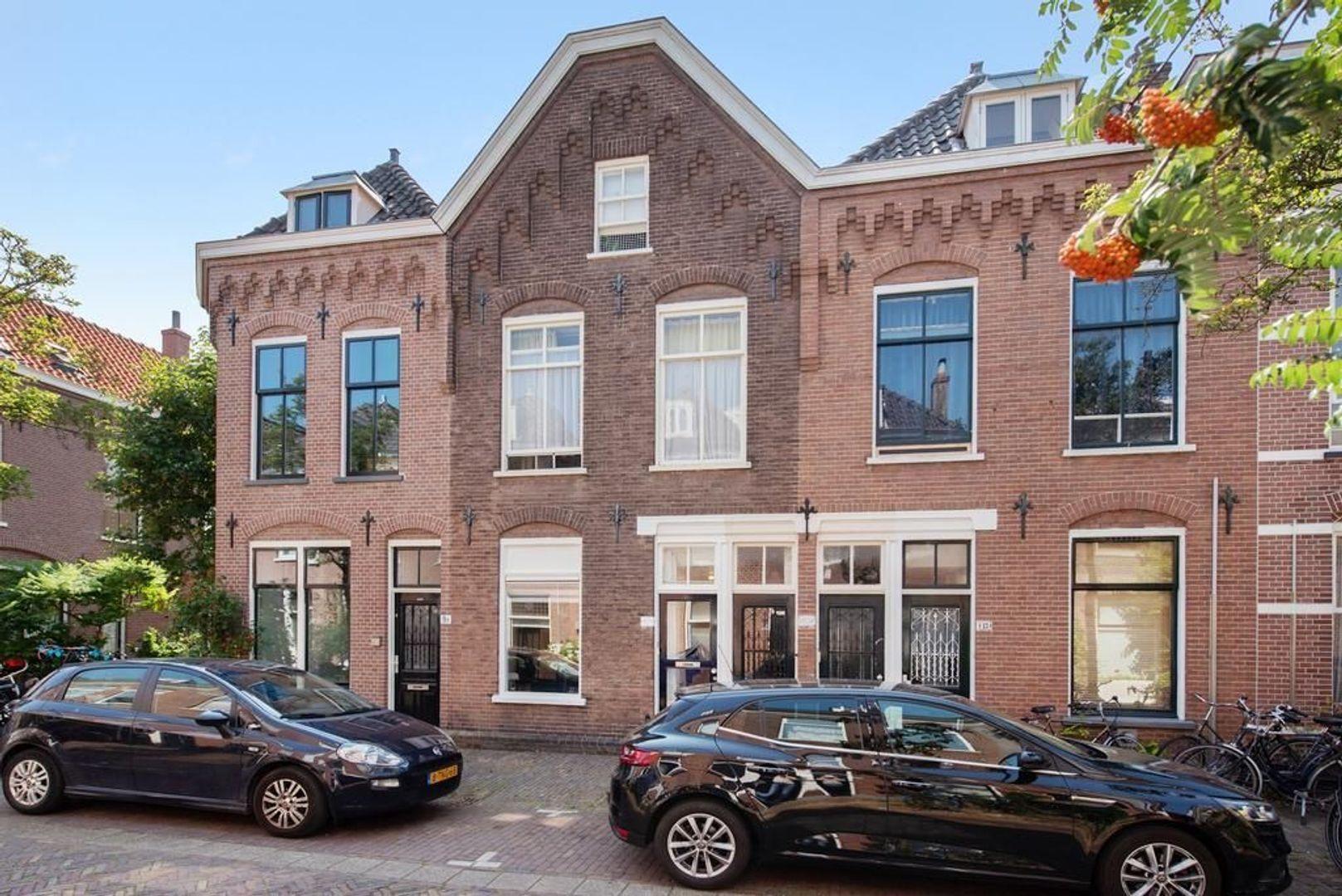 Warmoezierstraat 11, Delft foto-0