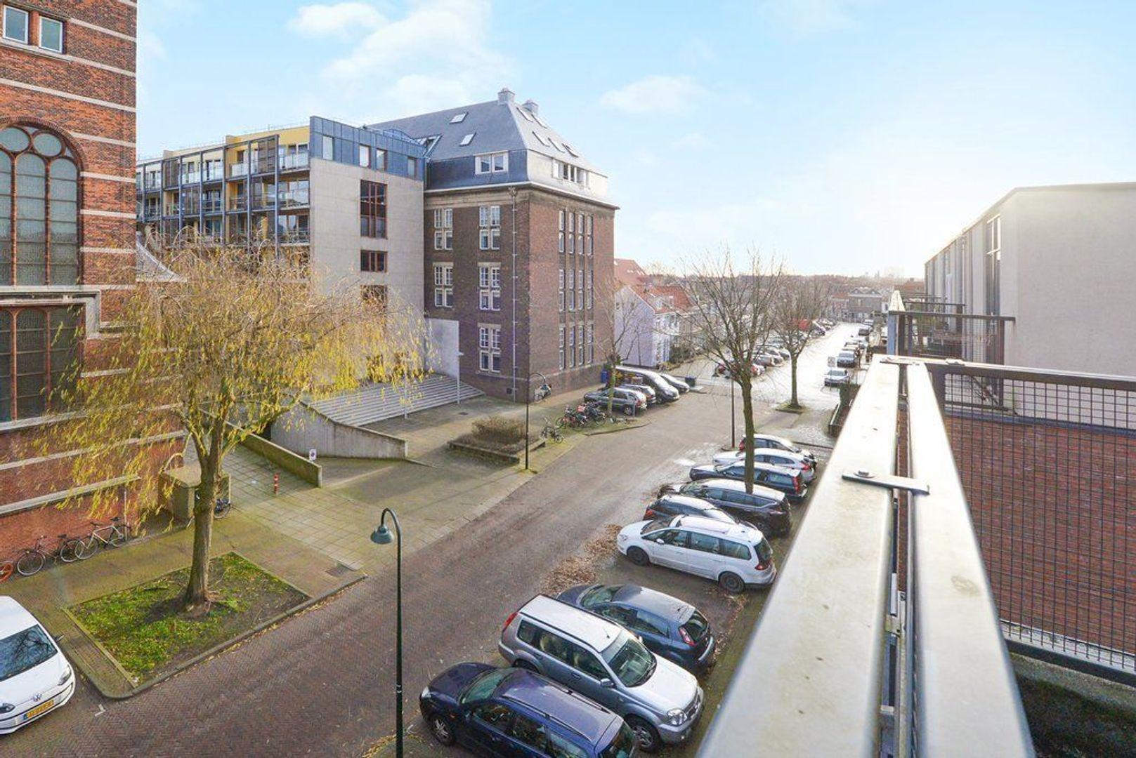 Raam 77, Delft foto-38