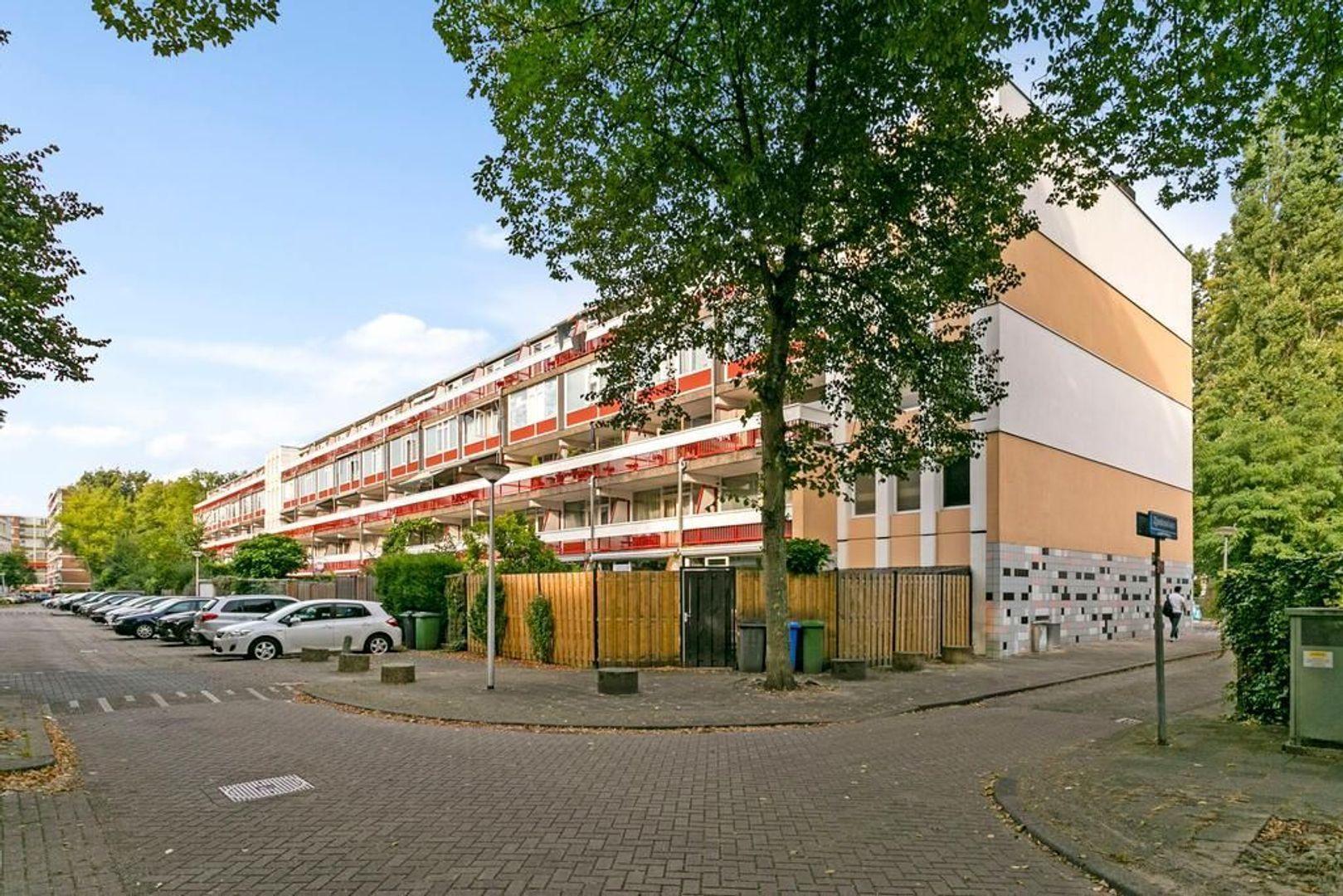 Zjoekowlaan 37, Delft foto-34