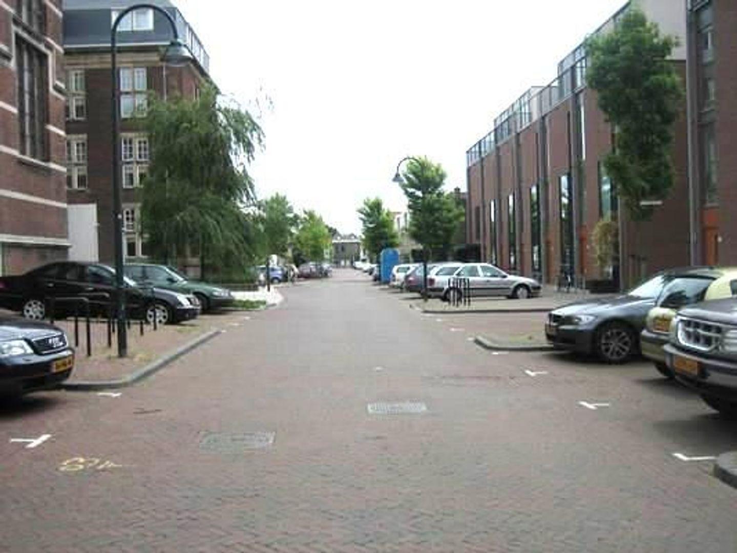 Raam 0 ong, Delft foto-3