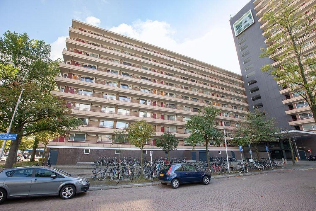 Arthur van Schendelplein, Delft