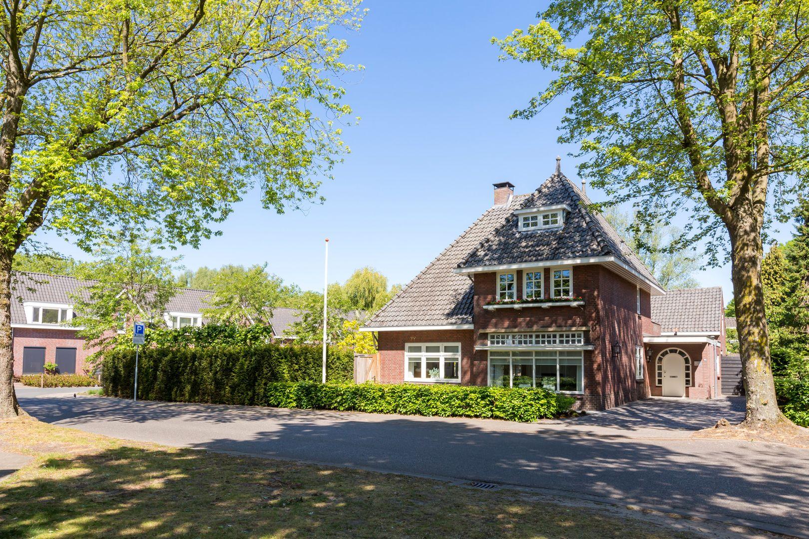 Burg. Canterslaan 50, Oisterwijk foto-