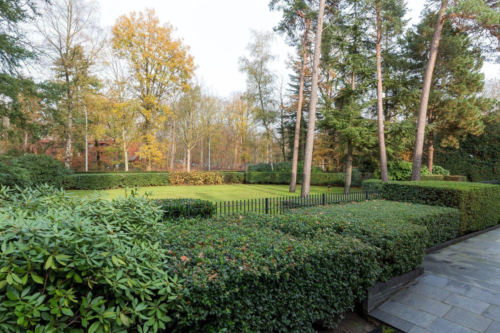 Bredaseweg 484, Tilburg foto-