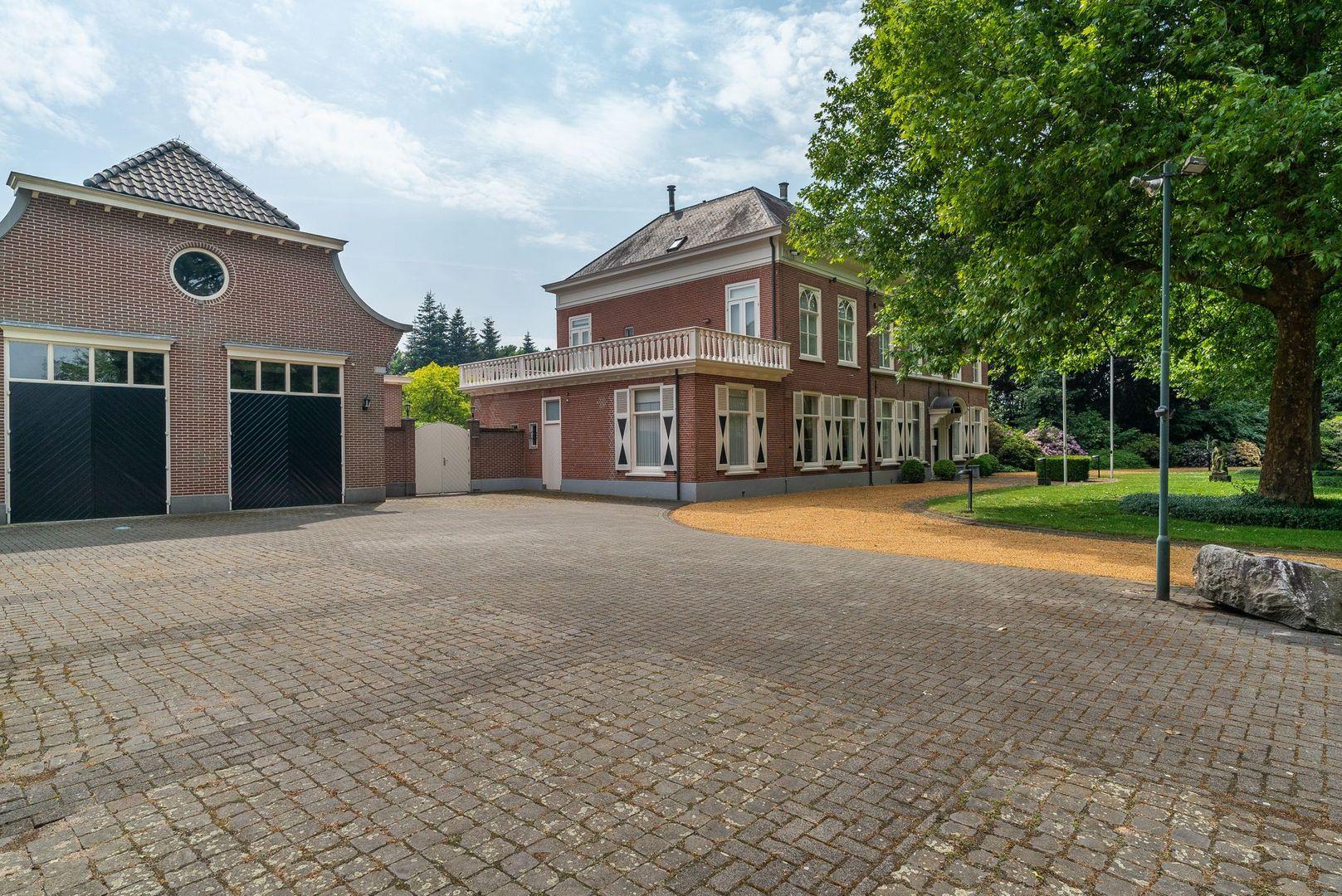 Burgemeester van Erpstraat 46, Berghem foto-
