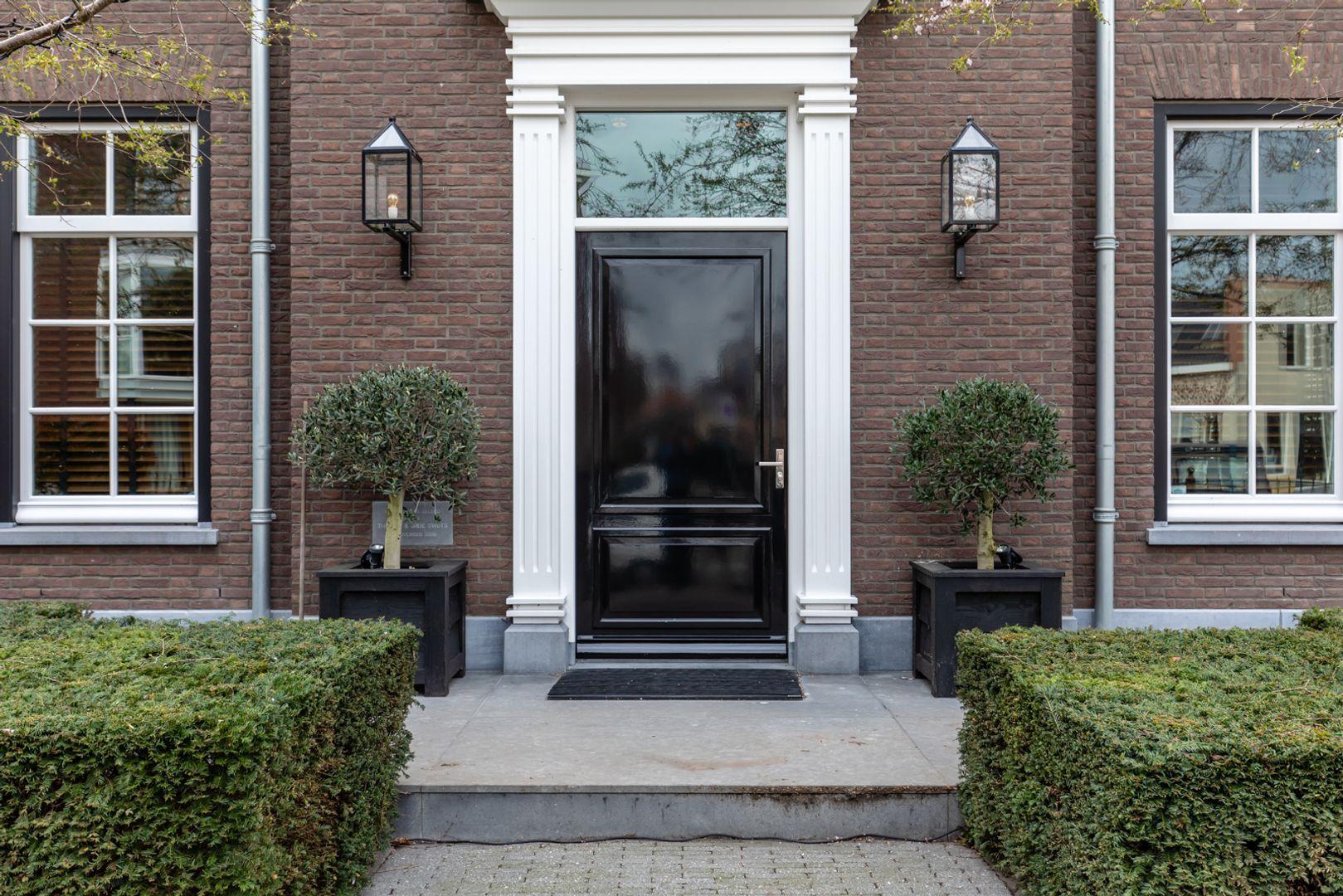 Rotterdamseweg 52, Zwijndrecht foto-