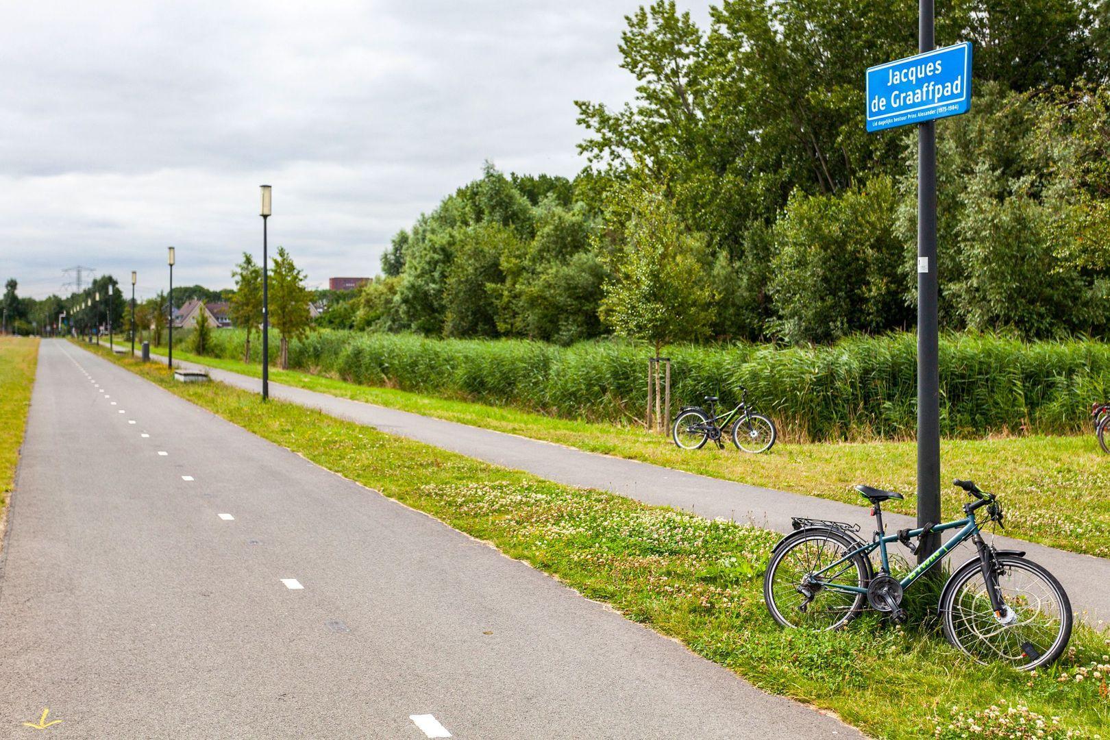 Brigadier Aad de Jonghof 5, Rotterdam foto-
