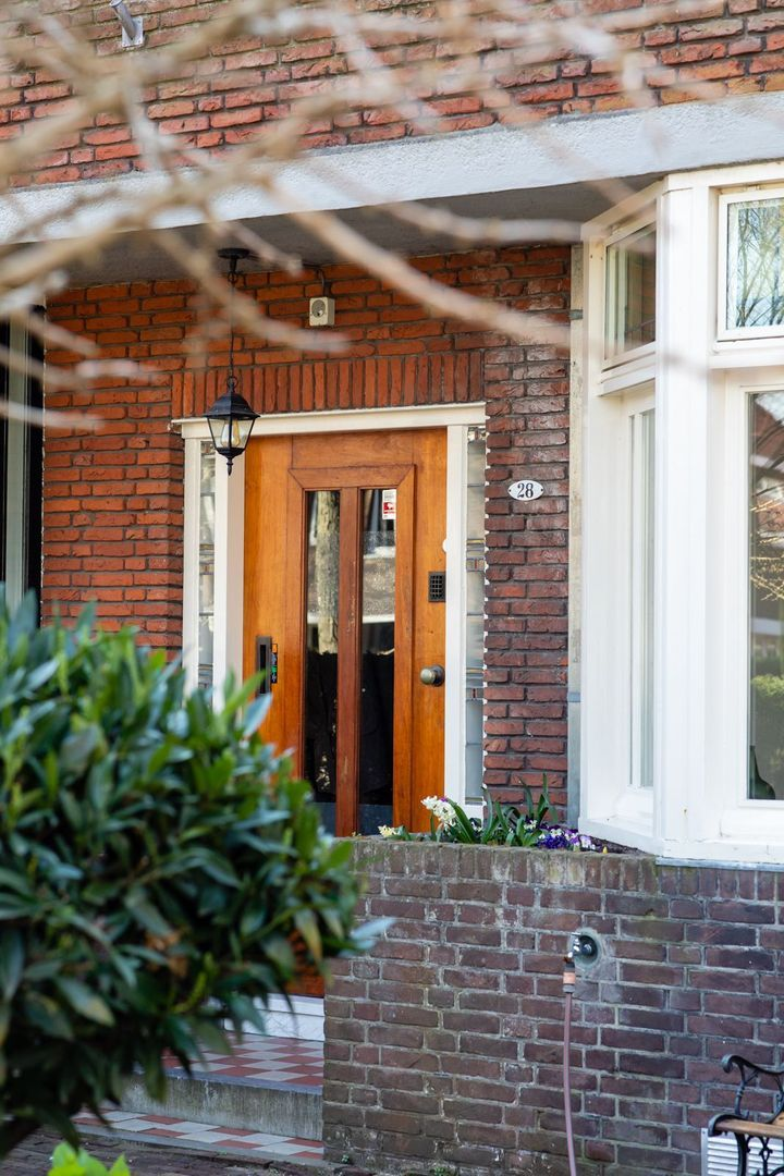Burgemeester Le Fevre de Montignylaan 28, Rotterdam foto-