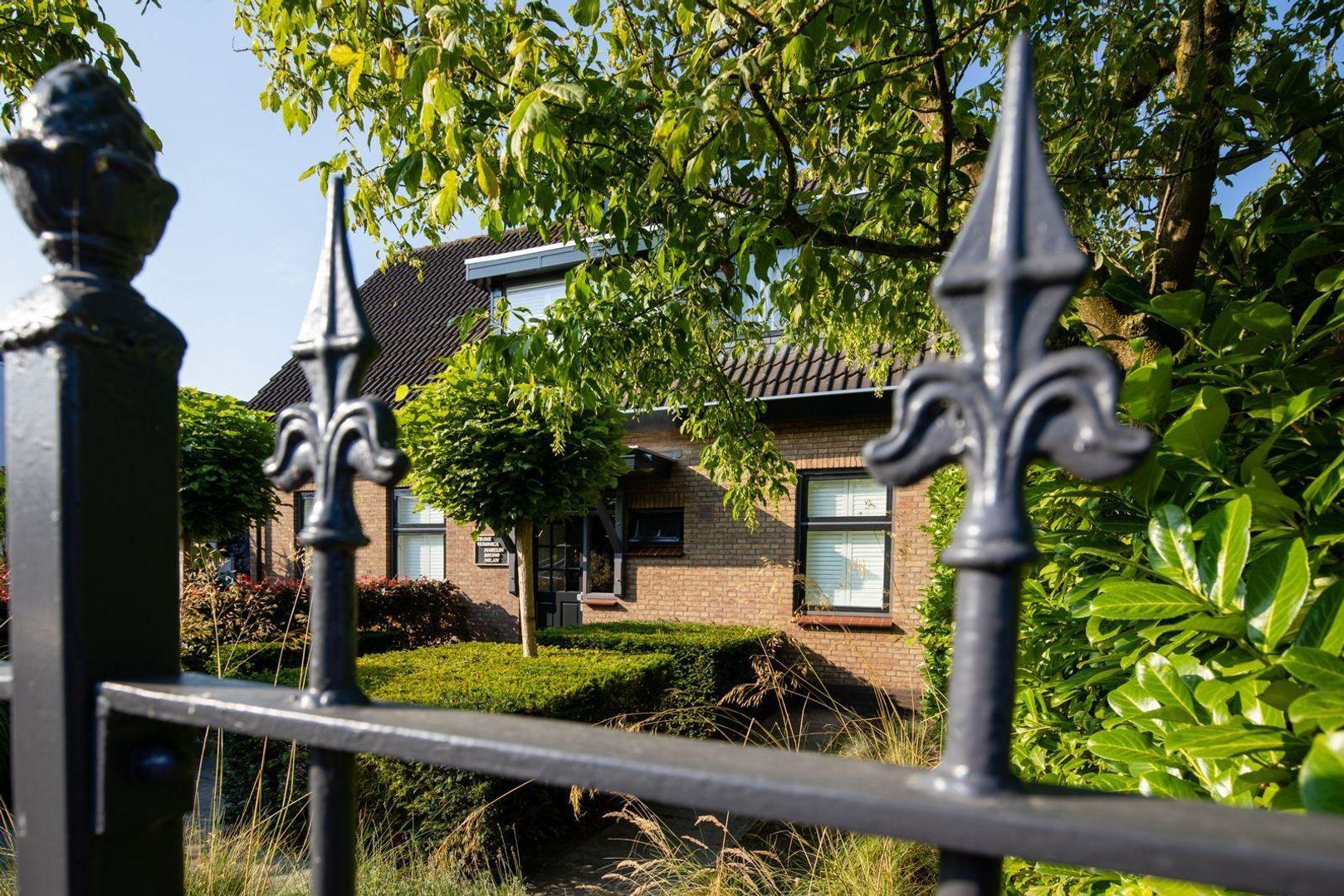 Leeuwenhoekweg 6 AB, Bergschenhoek foto-