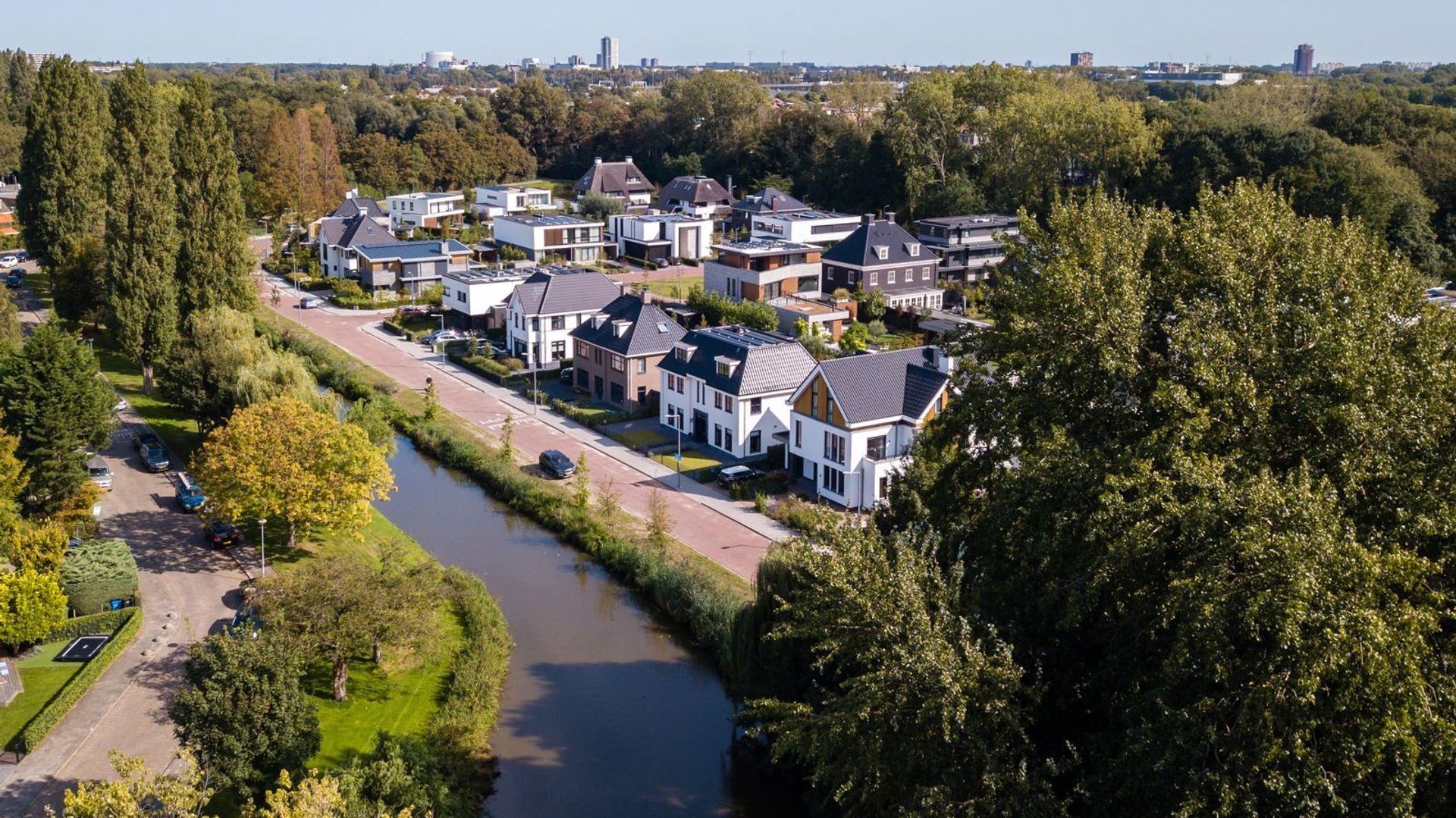 Adriaan van der Plaslaan 16, Rotterdam foto-
