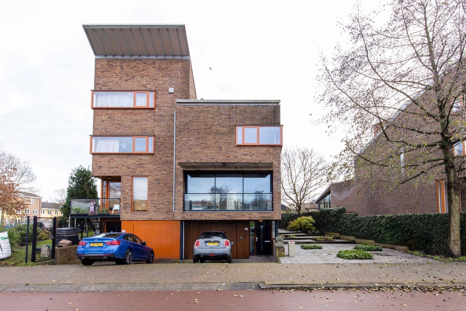 Dirk van der Kooijweg 102, Rotterdam foto-