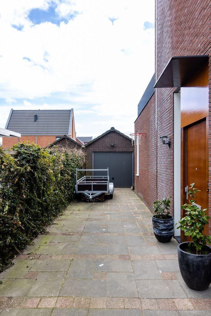 Van der Duijn van Maasdamweg 504, Rotterdam foto-