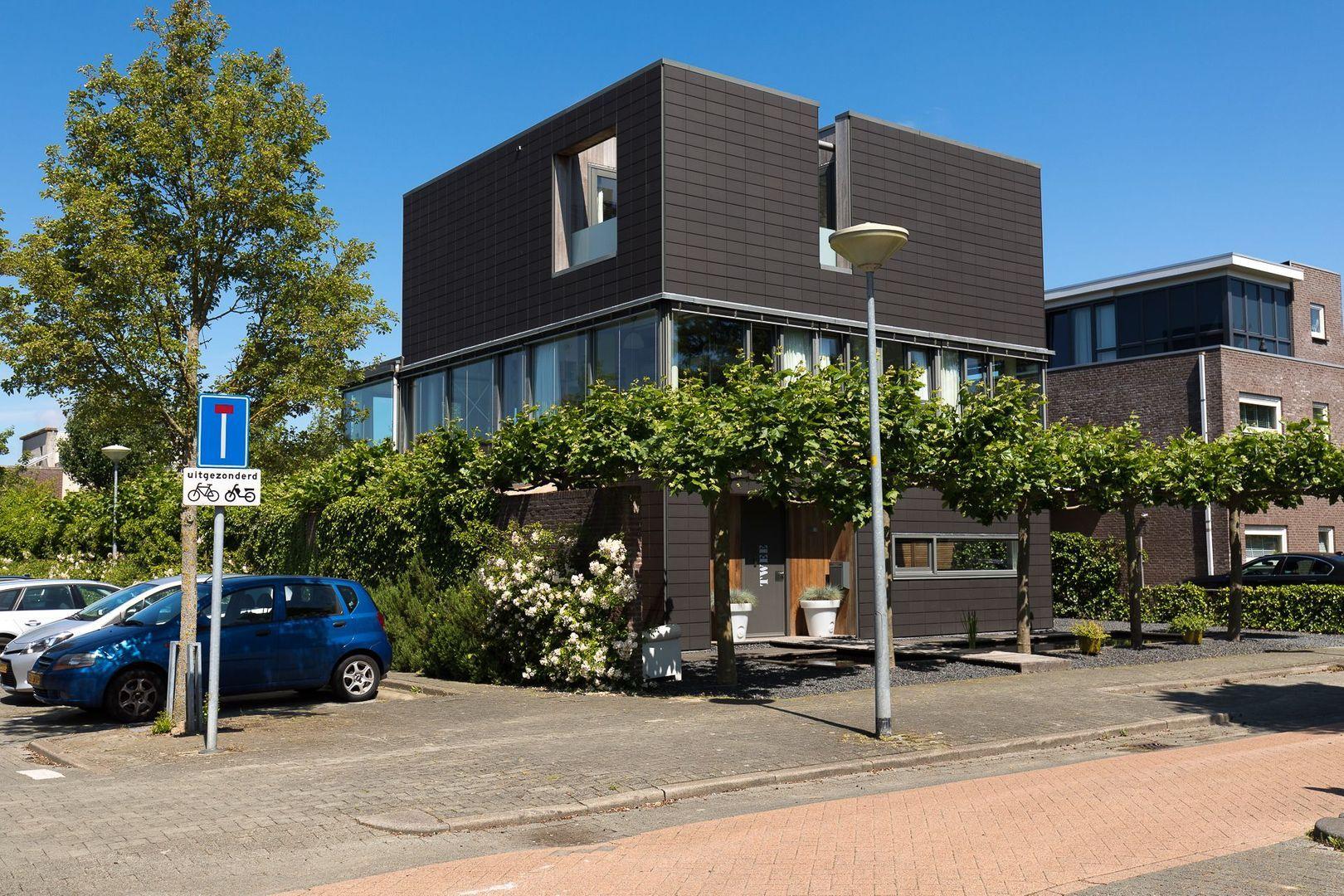 Frederiksveld 2, Nieuw-Vennep foto-