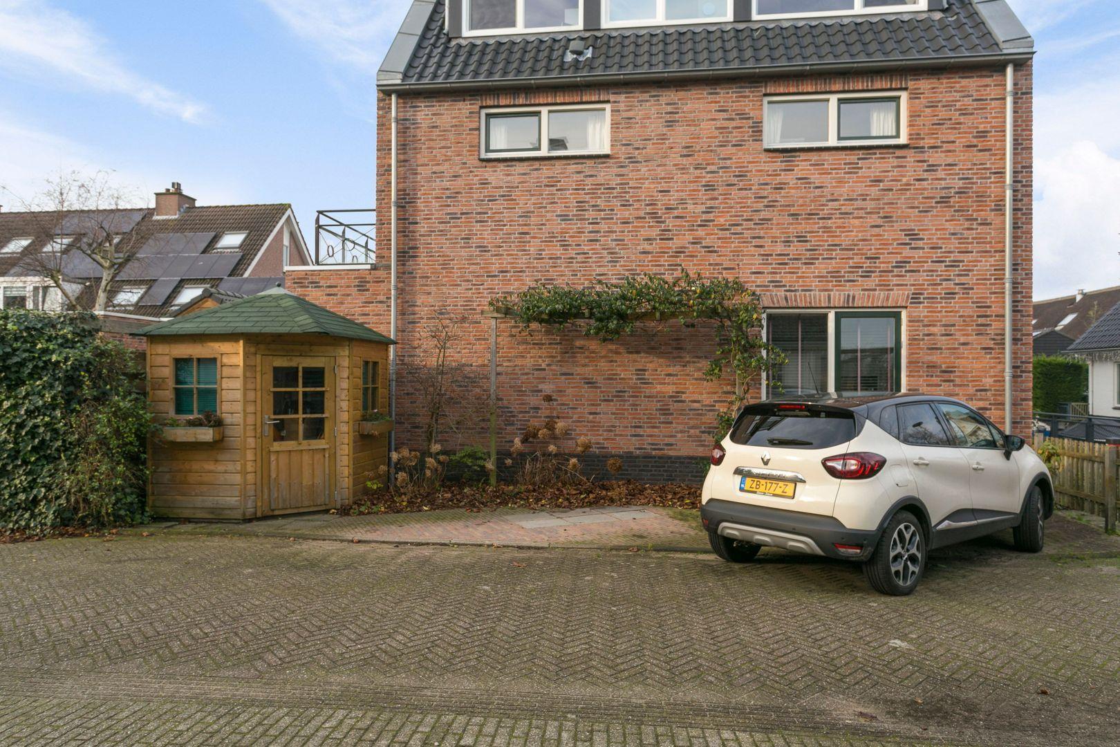 Vennemeerstraat 2, Warmond foto-
