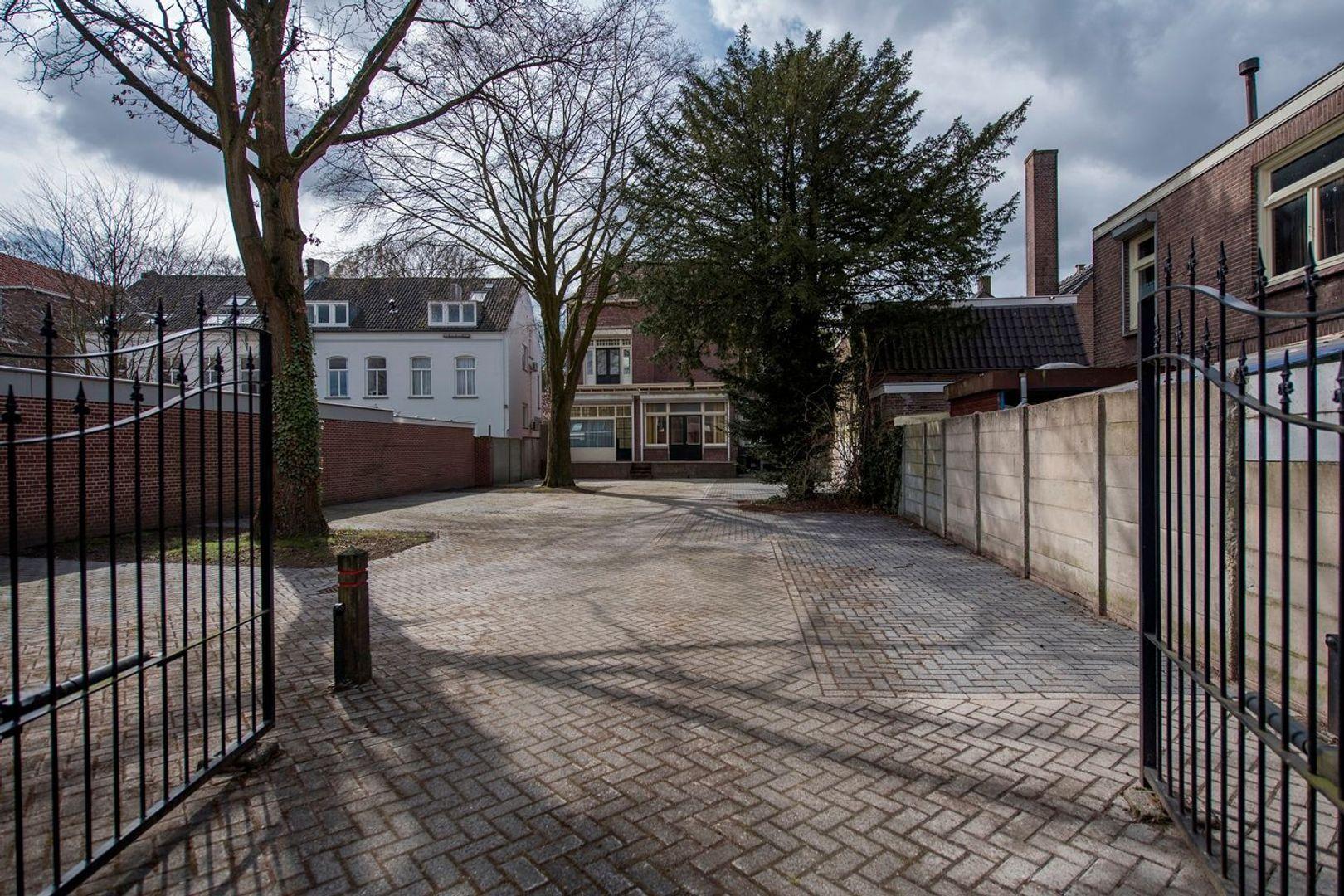 Wilhelminapark 124, Tilburg foto-