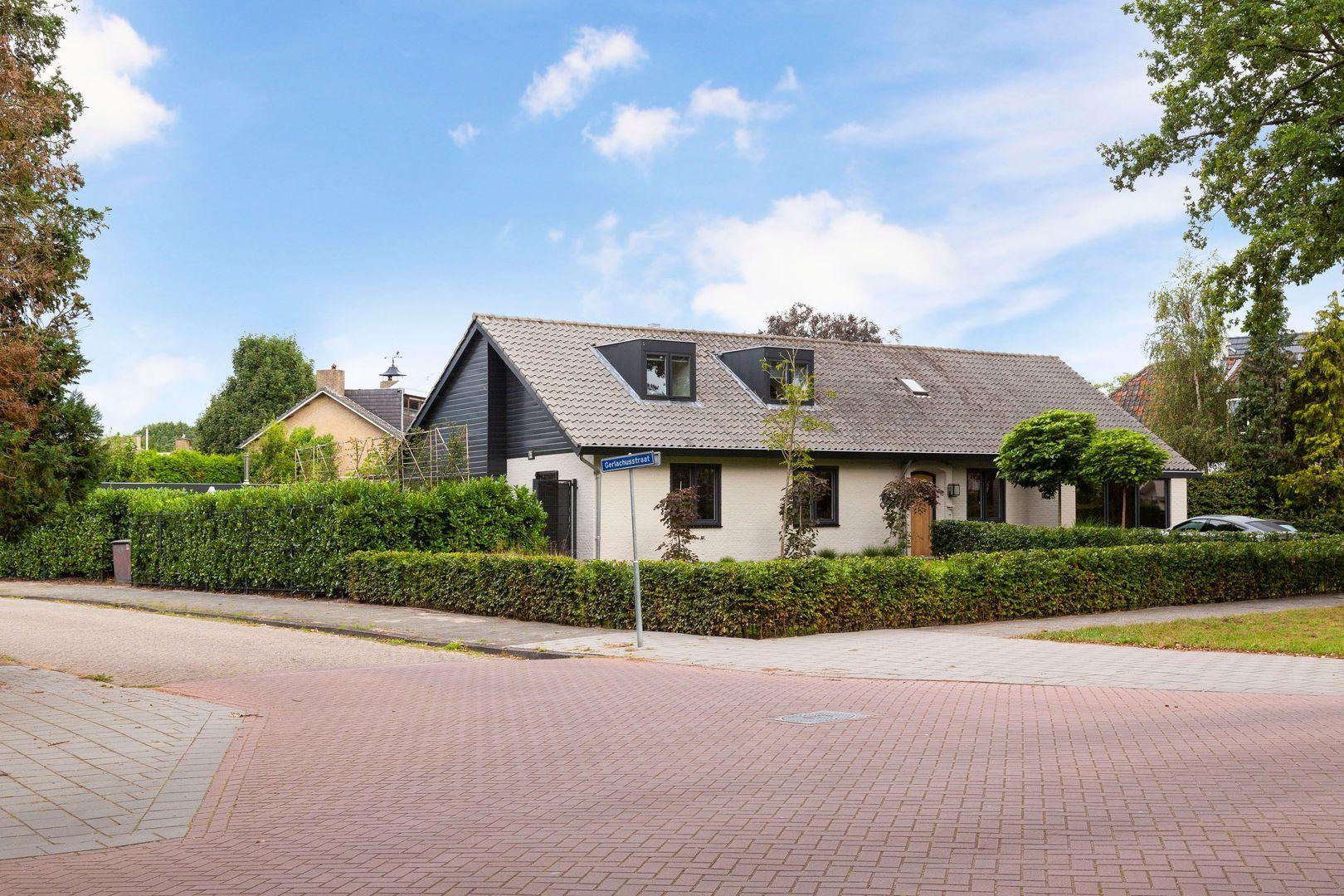 Venloonstraat 21, Loon Op Zand foto-