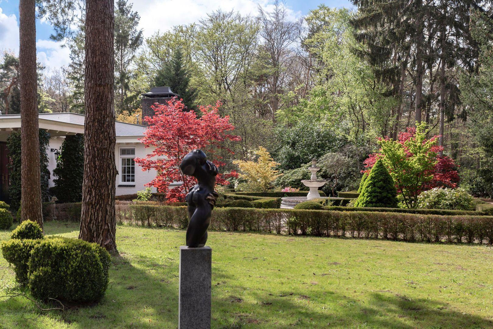 Bredaseweg 588, Tilburg foto-