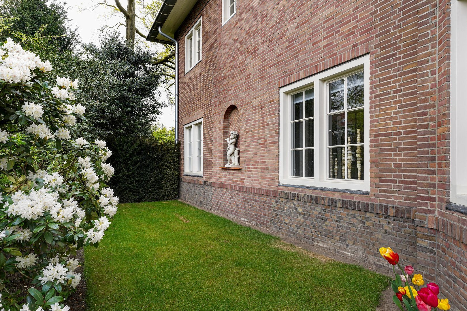 Burgemeester Rauppstraat 2, Tilburg foto-