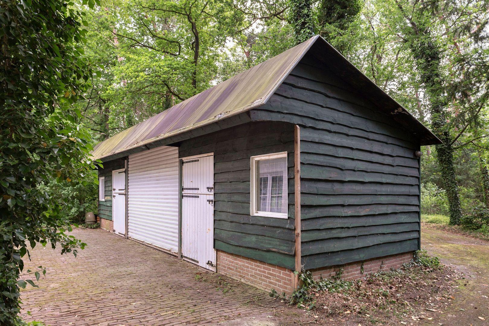 Bredaseweg 590, Tilburg foto-