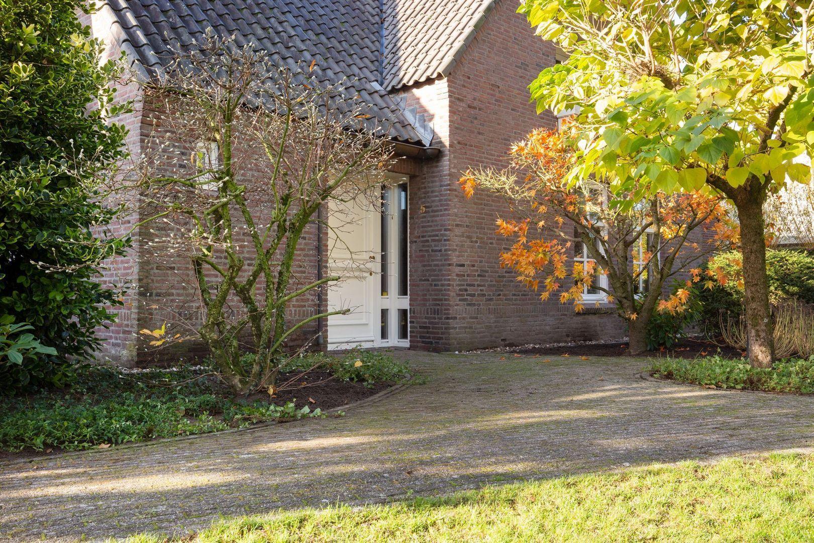 Schutterslaan 5, Helmond foto-