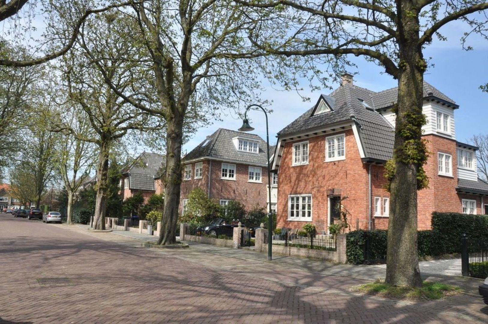 Prins Albertlaan 13, Voorburg foto-