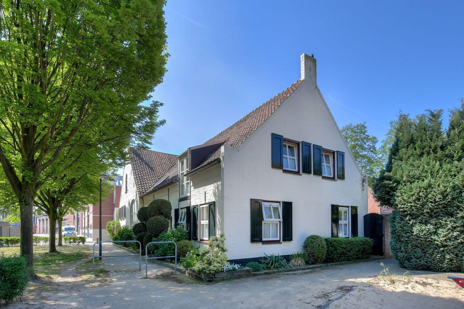 Henri Dunantstraat 24, Oosterhout foto-