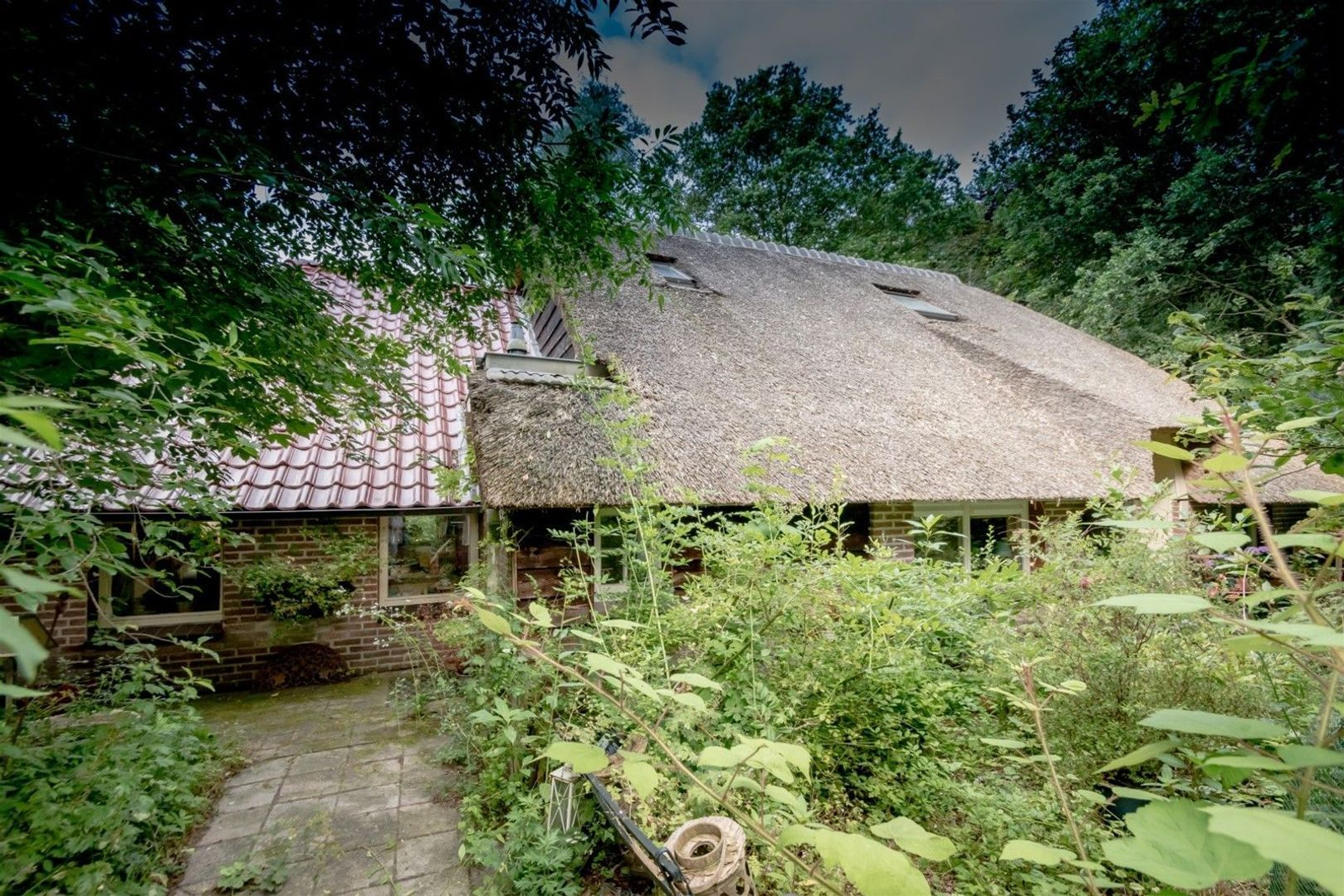 Achter de Broeken 4, Ruinen foto-