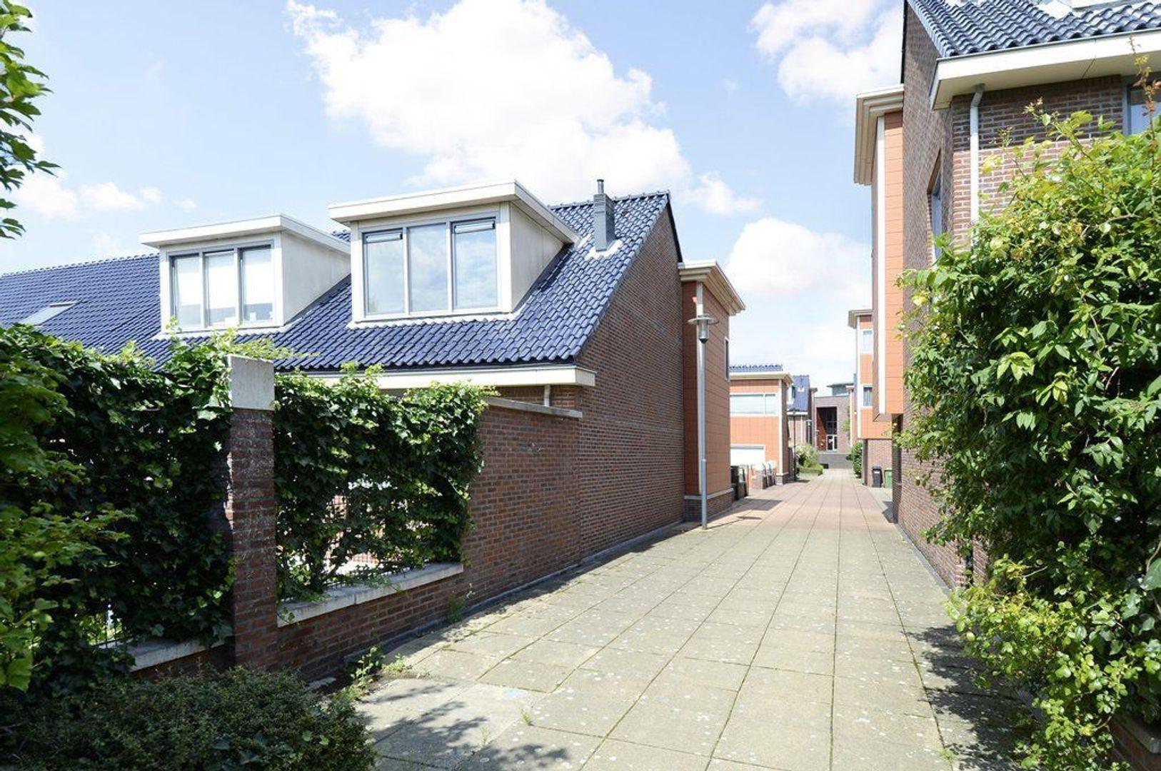 Bellinistraatje 8, Voorburg foto-35