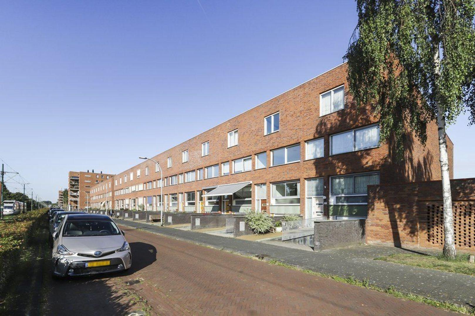 Rijswijkse Landingslaan 279, Den Haag foto-1