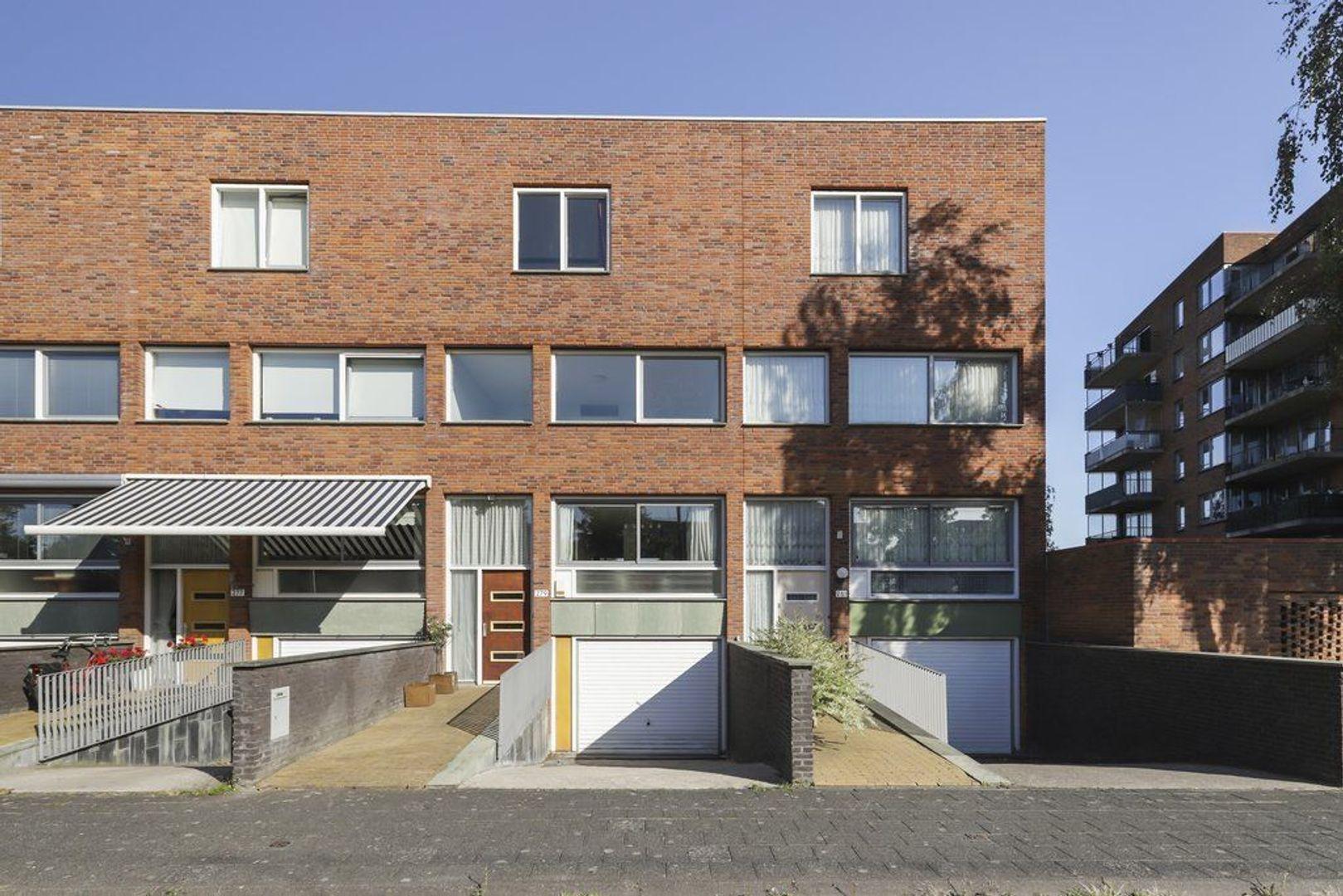 Rijswijkse Landingslaan 279, Den Haag foto-2