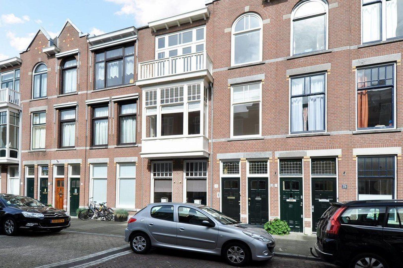 Van Weede van Dijkveldstraat 29, Den Haag foto-0
